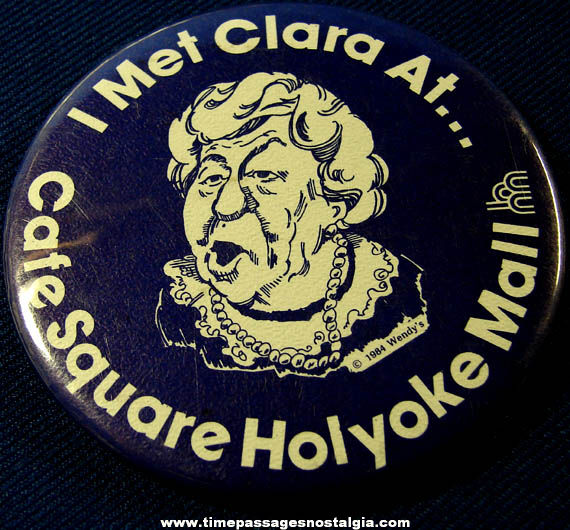 Large Old Clara ''Where's The Beef'' Peller Wendy's Advertisng Souvenir Pin Back Button