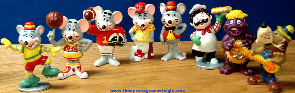 (8) Different Old Chuck E. Cheese Arcade Pizza Restaurant Advertising Toy Character Figures