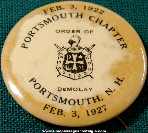 1927 Portsmouth New Hampshire DeMolay Advertising Pin Back Button