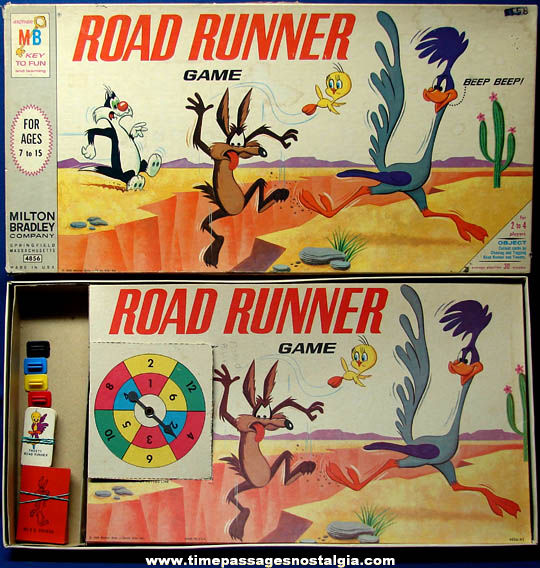 Colorful Boxed ©1968 Warner Brothers Road Runner Cartoon Character Board Game