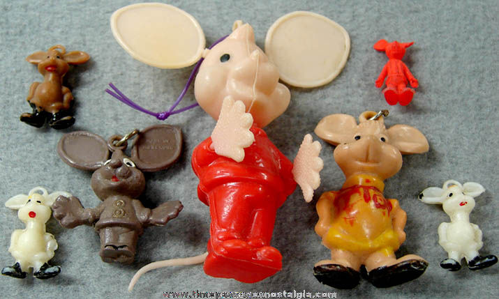(7) Small Old Topo Gigio Mouse Character Doll Toy Figures