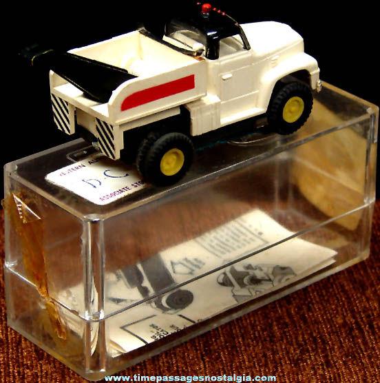 Boxed 1960s Black & White International Wrecker Tow Truck Aurora Slot Car