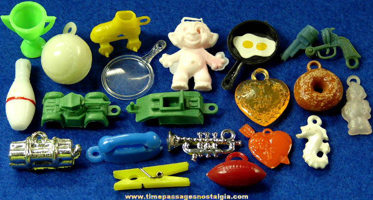 (20) Mixed Old Gum Ball Machine Prize Toys & Charms