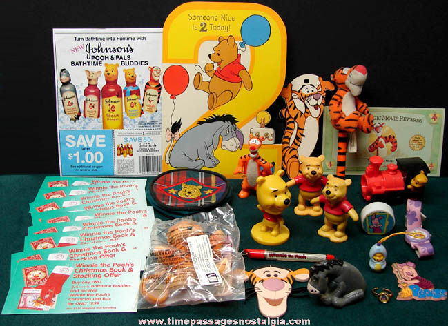 (29) Small Old Walt Disney Winnie The Pooh Cartoon Character Items