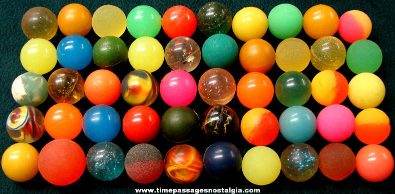 (50) Colorful Old Gum Ball Machine Prize Super Balls