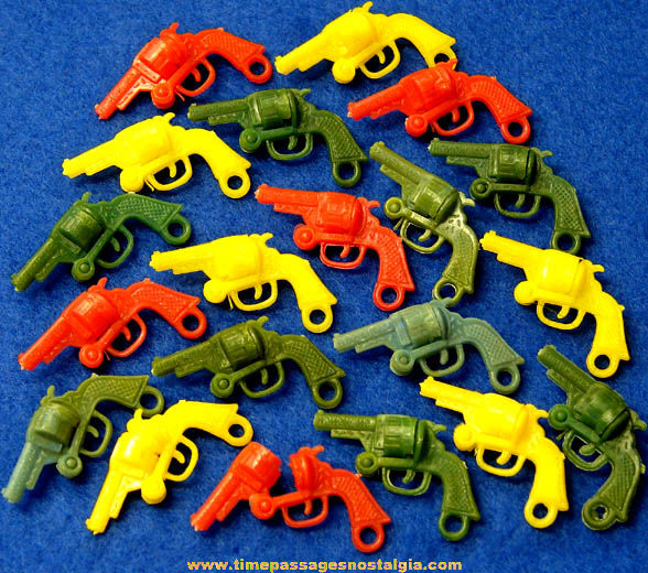 (20) Colorful Old Gum Ball Machine Prize Revolver Gun Charms