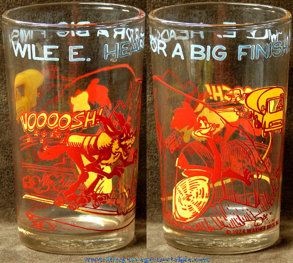 ©1974 Road Runner & Wile E. Coyote Cartoon Character Drink Glass