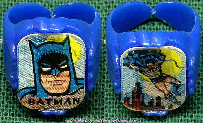 Old Batman Character Gum Ball Machine Prize Flicker Toy Ring