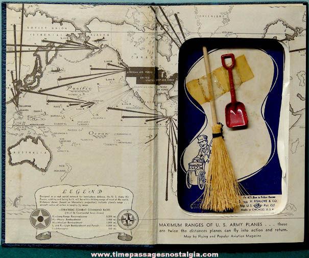 ©1939 Chicago Illinois Advertising Souvenir Fishlove Novelty Gag Joke Book