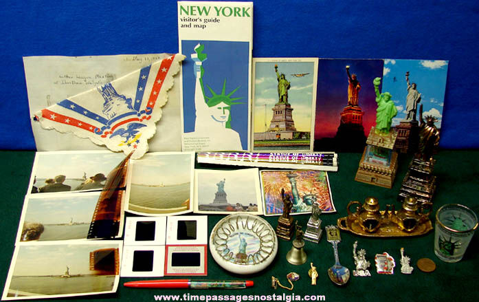 (39) Statue of Liberty New York City Advertising & Souvenir Items