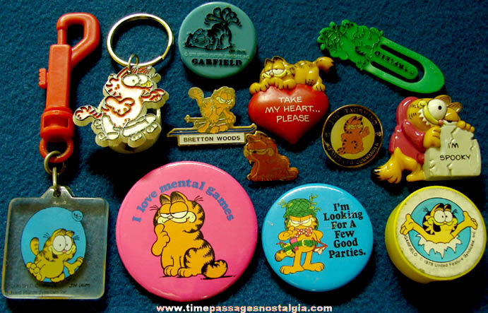 (12) Small Old Garfield Comic Strip Cat Character Items