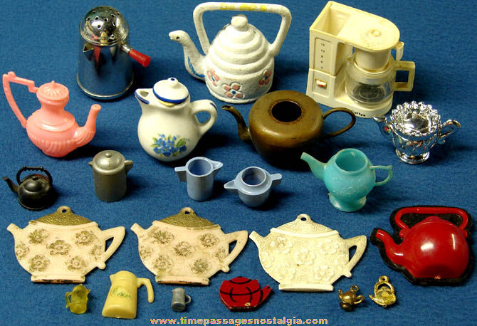 (22) Old Miniature Toy Coffee Pot or Tea Pot Items