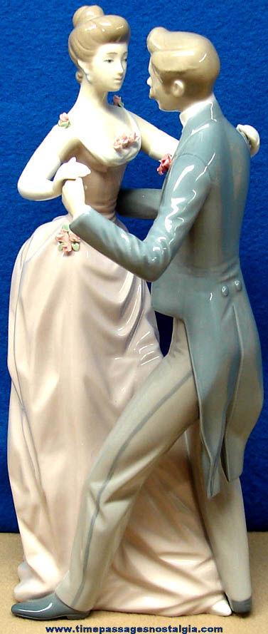 Large ©1978 Lladro Anniversary Dance Porcelain Figurine