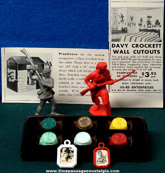 (22) Small Old Davy Crockett Movie Character Items
