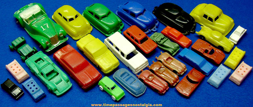(30) Small or Miniature Old Plastic Toy Automobiles