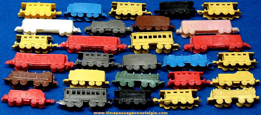 (28) Colorful Old Unused Plastic Toy Train Cars