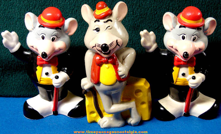 (3) Old Painted Chuck E. Cheese Arcade Pizza Restaurant Advertising Coin Saving Banks