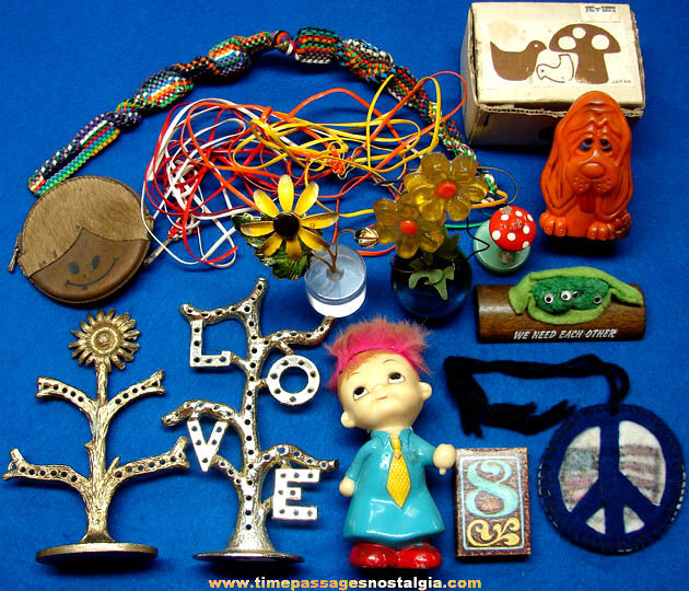 (15) Colorful 1960s & 1970s Nostalgic Novelty Items