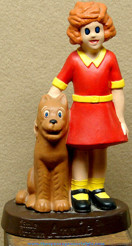 ©1975 New York News Little Orphan Annie & Sandy Comic Strip Character Statue Figurine