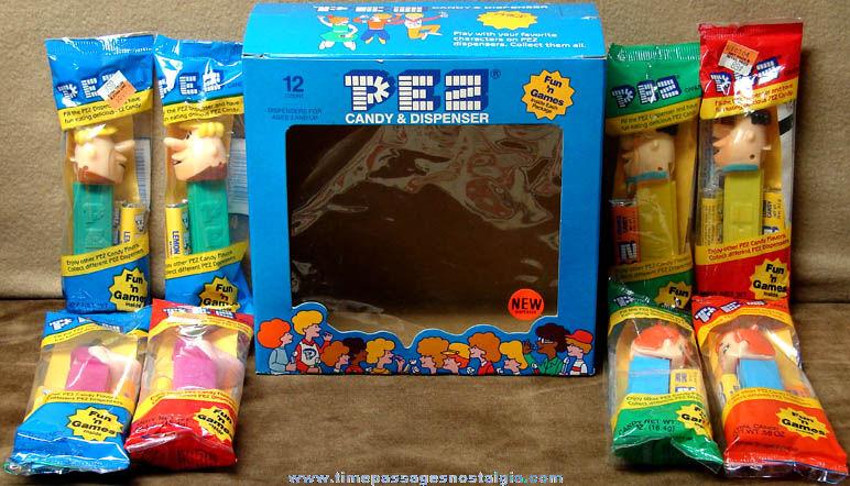 (8) Unopened ©1992 Flintstones Cartoon Character PEZ Candy Dispensers with Window Display Box
