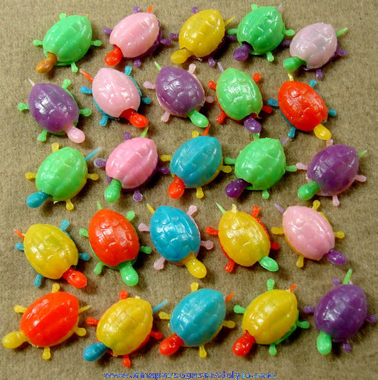 (25) Old Gum Ball Machine Prize Mechanical Turtle Toy Charms