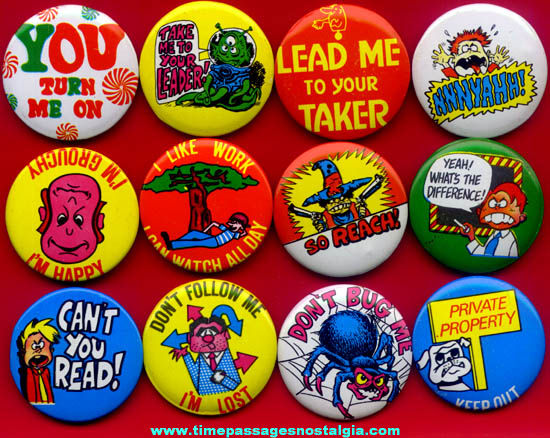 (12) Different Colorful Old Unused Novelty Gum Ball Machine Prize Pin Back Buttons With Sayings