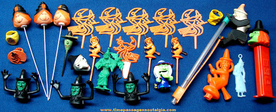 (26) Small Halloween Witch Toy and Decoration Items