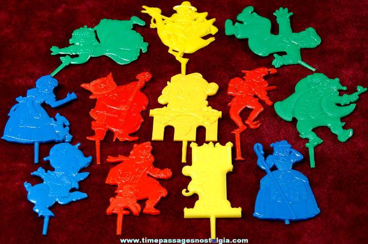 Set of (12) 1950s Nursery Rhyme Character Aunt Jemima Premium Cake Candle Holders