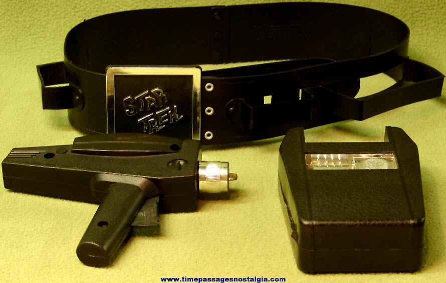 ©1975 Remco Star Trek Toy Utility Belt with Phaser & Tricorder