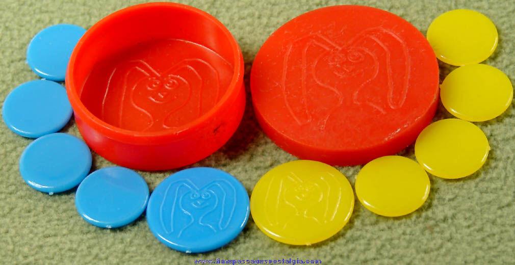 1967 TRIX Cereal Advertising Prize Tiddley Wink Game Set