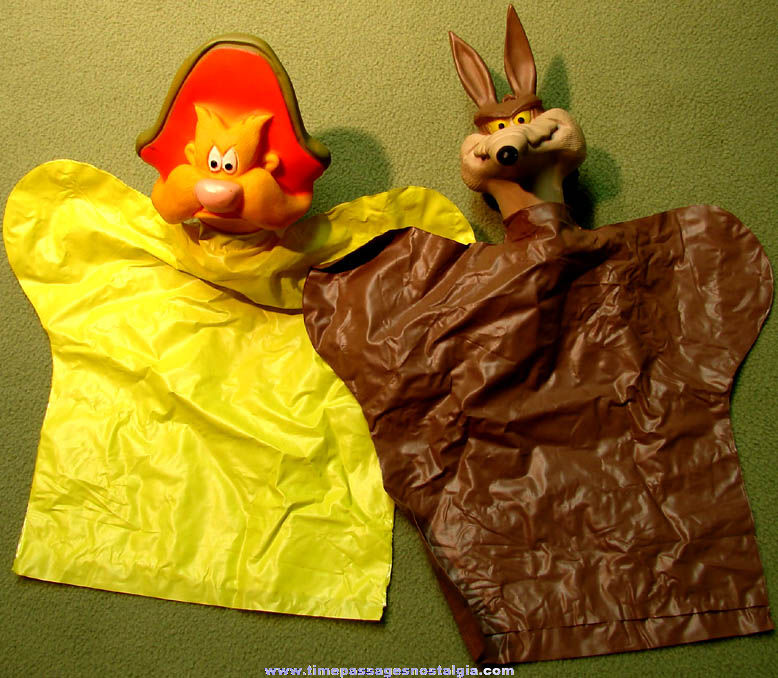 (2) 1960s Warner Brothers Looney Tunes Cartoon Character Hand Puppets