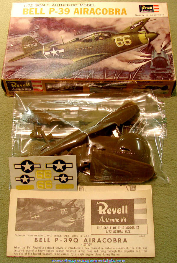 ©1965 Boxed Miniature World War II American Bell P-39 Airacobra Airplane Revell Plastic Model Kit