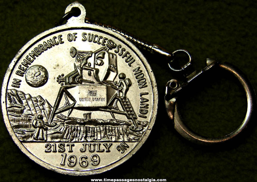 Old Apollo 11 Moon Landing Commemorative Souvenir Key Chain