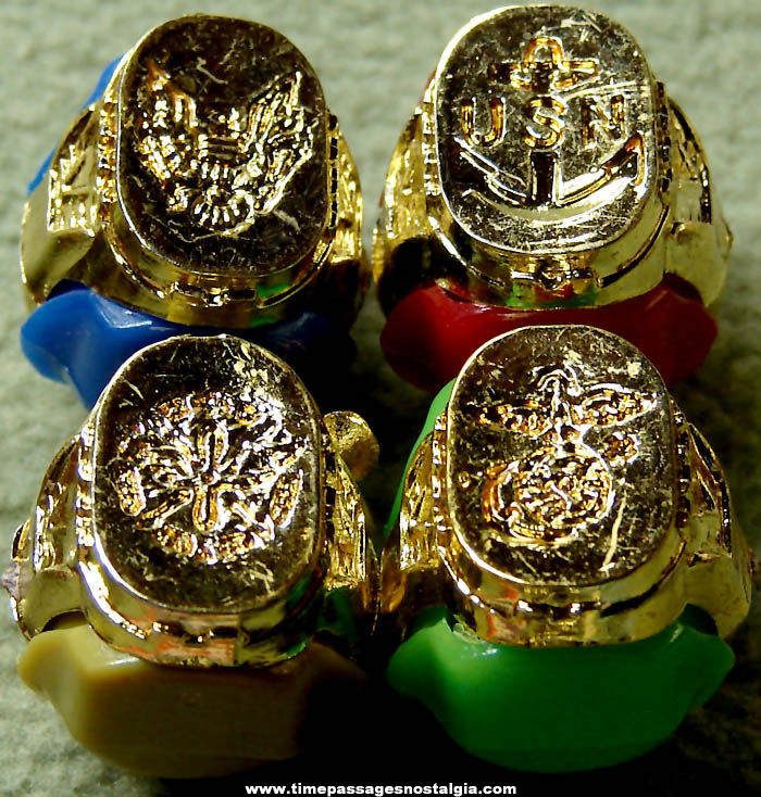 (4) Different Old United States Military Insignia Gum Ball Machine Prize Toy Rings