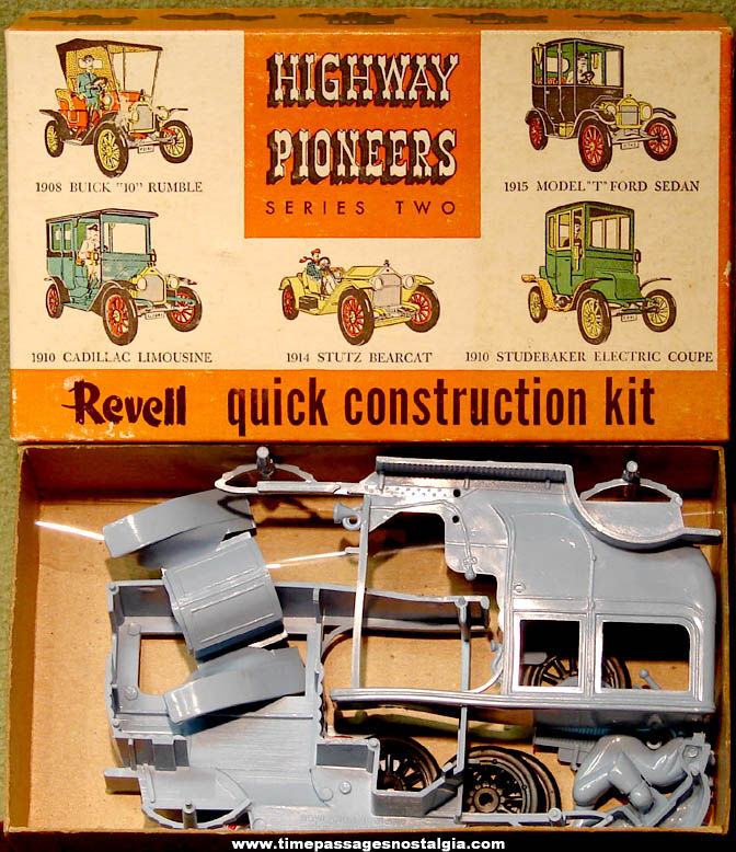 Old Boxed & Unbuilt Revell Highway Pioneers 1910 Cadillac Limousine Car Model Kit