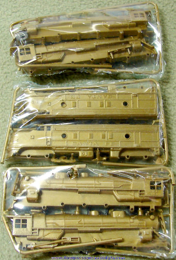 (3) Old Unbuilt Miniature Cereal Prize Locomotive Train Engine Plastic Model Kits