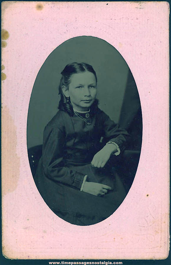 1800s Tintype Photograph of A Pretty Young Lady In Original Paper Frame Folder