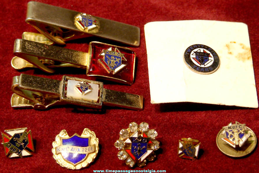(9) Different Small Old Knights of Columbus Fraternal Organization Jewelry Items