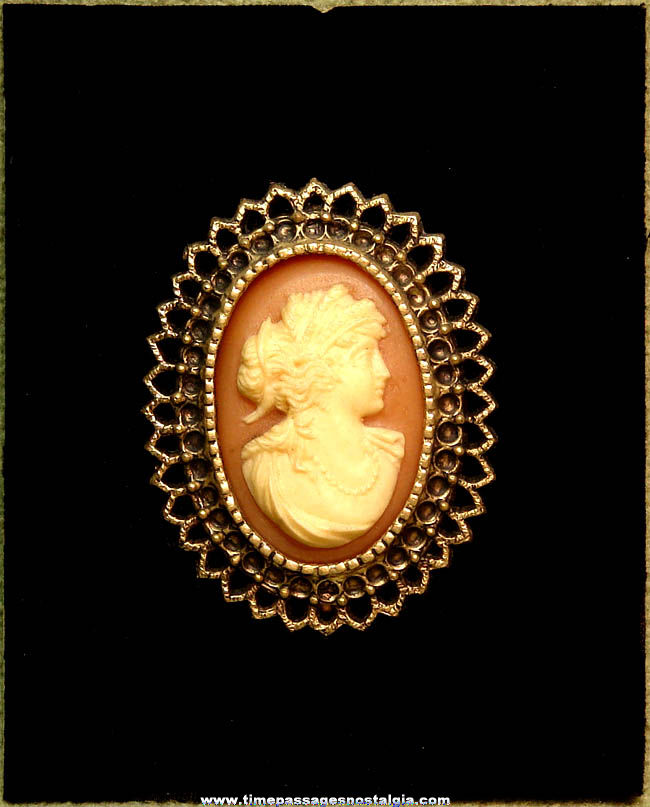 Old Burwood Products Company Decorative Cameo Wall Hanging