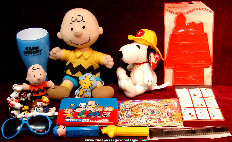 (18) Different Charles Schulz Peanuts Comic or Cartoon Character Items