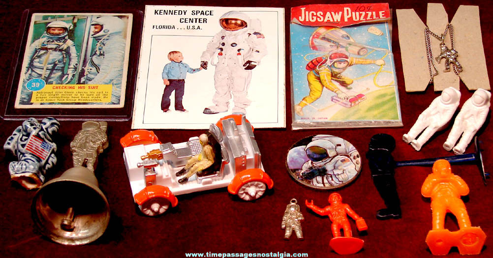 (15) Small Old Outer Space Astronaut Related Items
