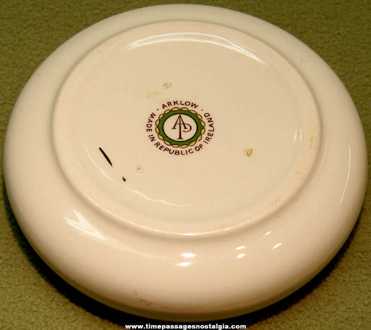 Colorful Old Ireland Advertising Souvenir Porcelain Cigarette Ash Tray