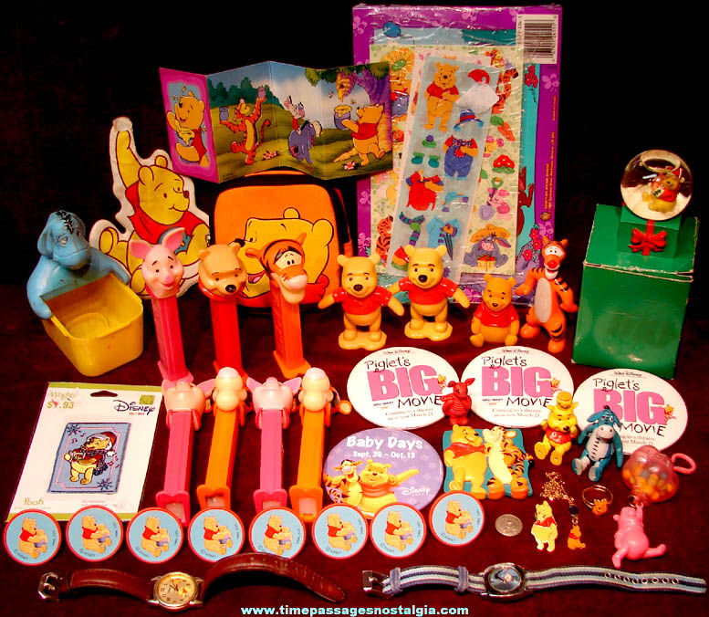 (41) Walt Disney Winnie The Pooh Cartoon Character Items