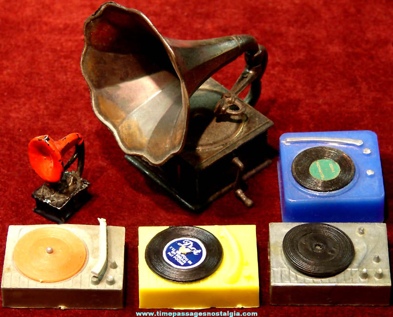 (6) Old Metal and Plastic Miniature Toy Phonographs with Records