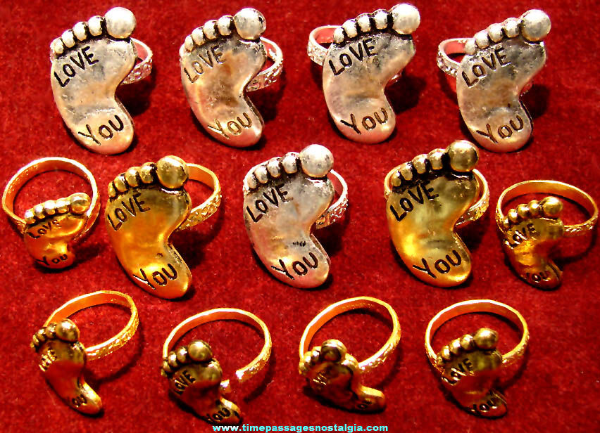 (13) Old Metal Love You Foot Gum Ball Machine Prize Toy Jewelry Rings