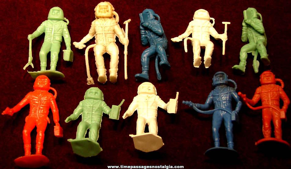 (10) Colorful 1969 Space Explorer or Astronaut Miniature Plastic Toy Play Set Figures