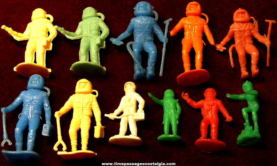 (11) Colorful 1969 Space Explorer or Astronaut Miniature Plastic Toy Play Set Figures