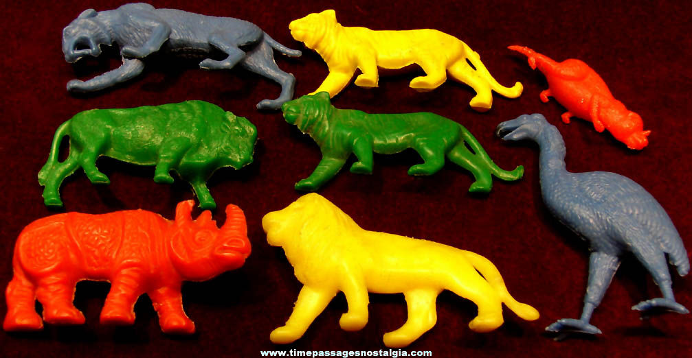 (8) Colorful 1950s Cereal Prize Plastic Play Set Toy Animals