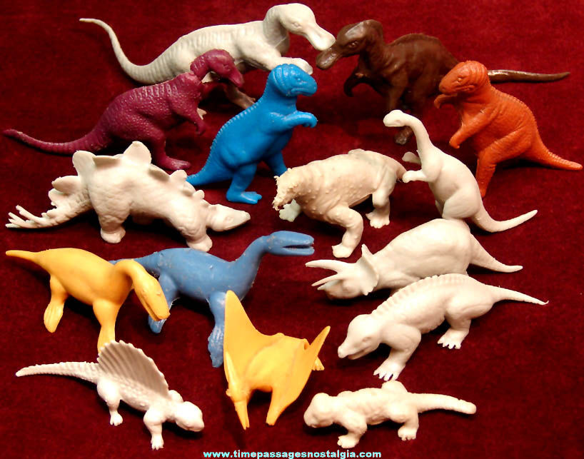 (15) Colorful Old Plastic Dinosaur Toy Play Set Figures