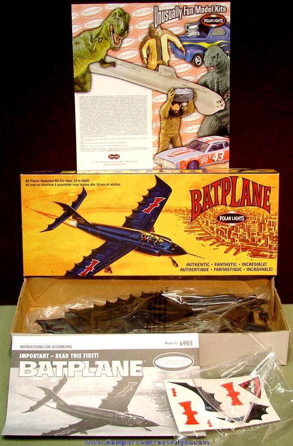 Unbuilt & Boxed ©2002 Polar Lights Batman Batplane Model Kit with Catalog
